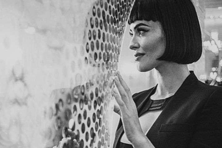 Даша Астаф'єва приміряла ретро-образ / Instagram