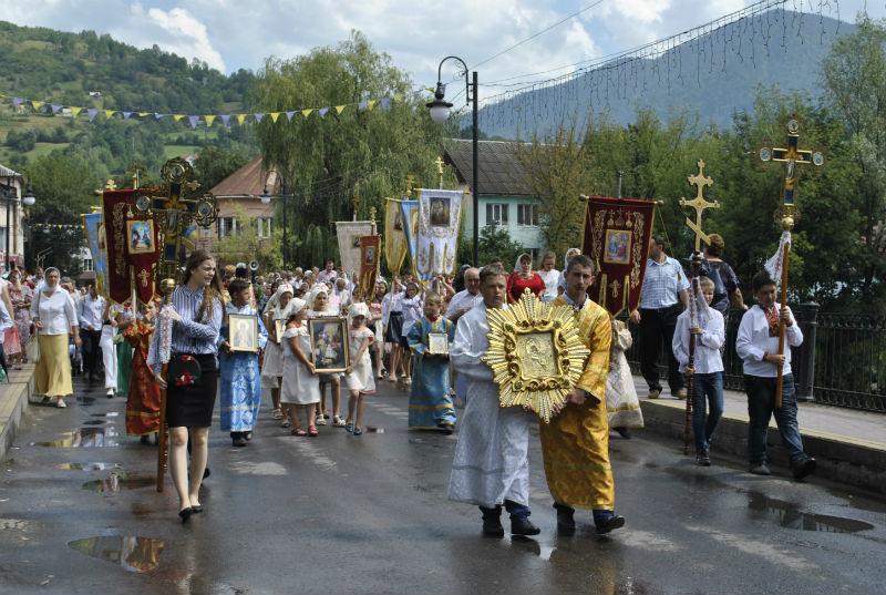 В Рахове состоялся крестный ход в честь 1030 летия Крещения Руси / orthodoxkhust.org.ua