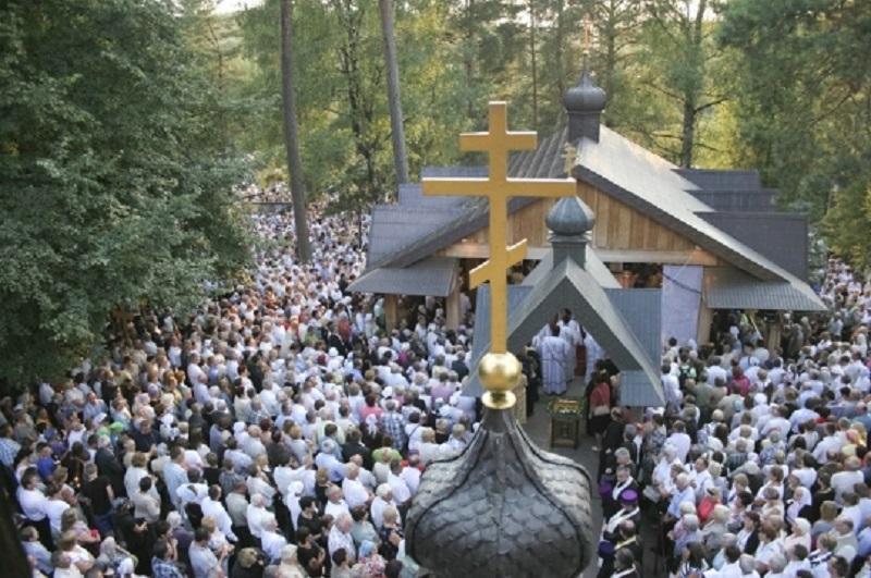 Гора ХрестівГрабаркає місцем постійного паломництва віруючих християн / news.church.ua