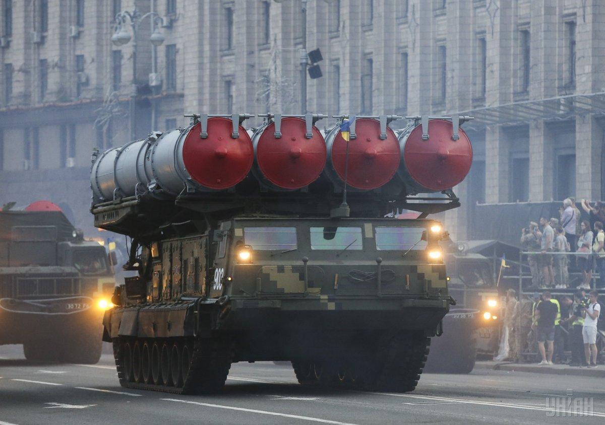 В военном параде на День Независимости Украины будет принимать участие 250 единиц техники / Фото УНИАН