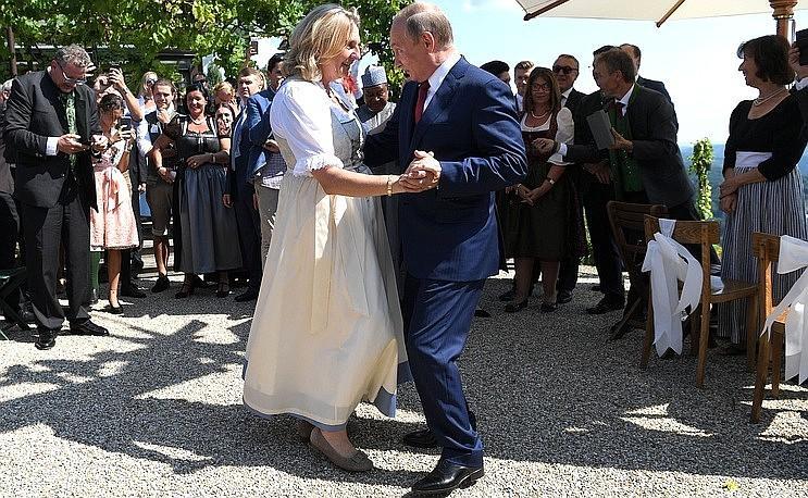 Путін витанцьовував на весіллі австрійського міністра / kremlin.ru