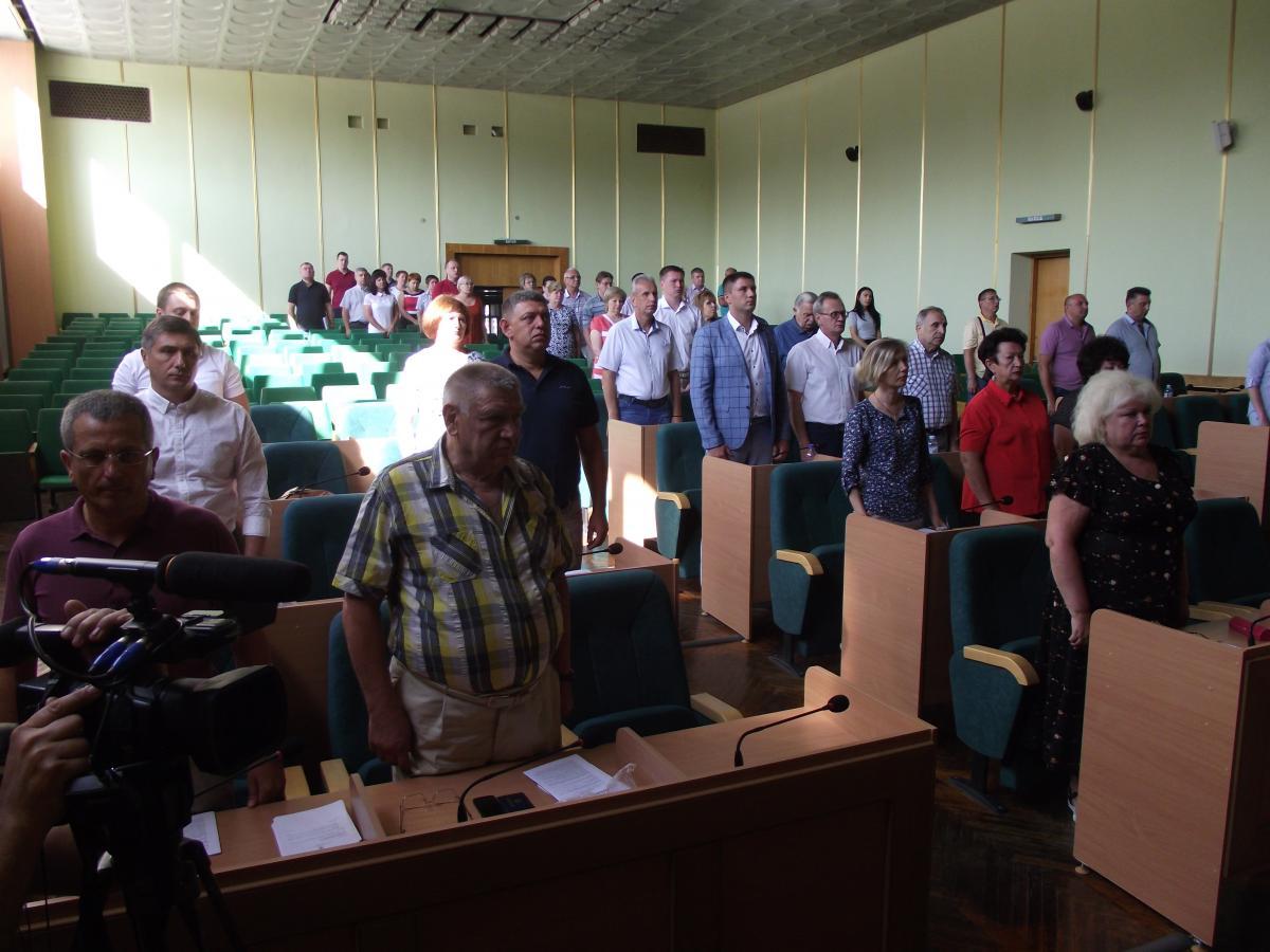 Из 27 депутатов «за» проголосовали девять, 15 воздержались / Фото: «УНИАН-Религии»