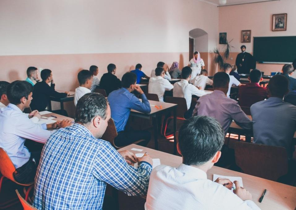 У закладах вищої духовної освіти УПЦ триває вступна кампанія / vds.church.ua