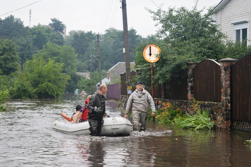 Убытки вследствие потопа в Чернигове оценили в более чем 58 миллионов гривень / фото cn.dsns.gov.ua