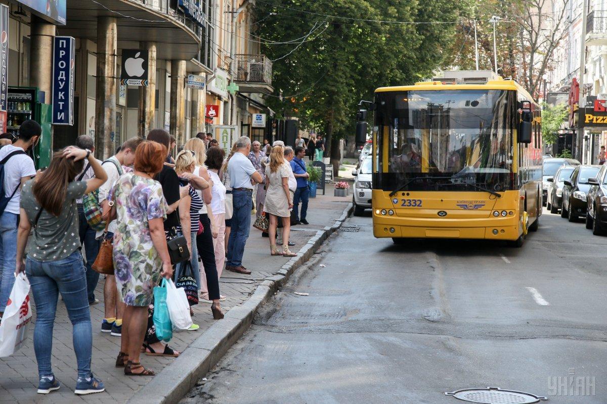 У Києві з'явився новий нічний тролейбус / фото УНІАН