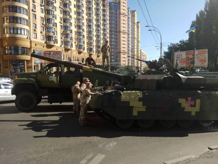 """Танк попросту заглох посреди дороги / """"112 Украина"""""""