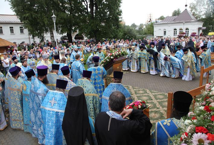 В Свято-Введенском Толгском монастыре состоялись торжества по случаю празднования Толгской иконы Божией Матери / yareparhia.ru