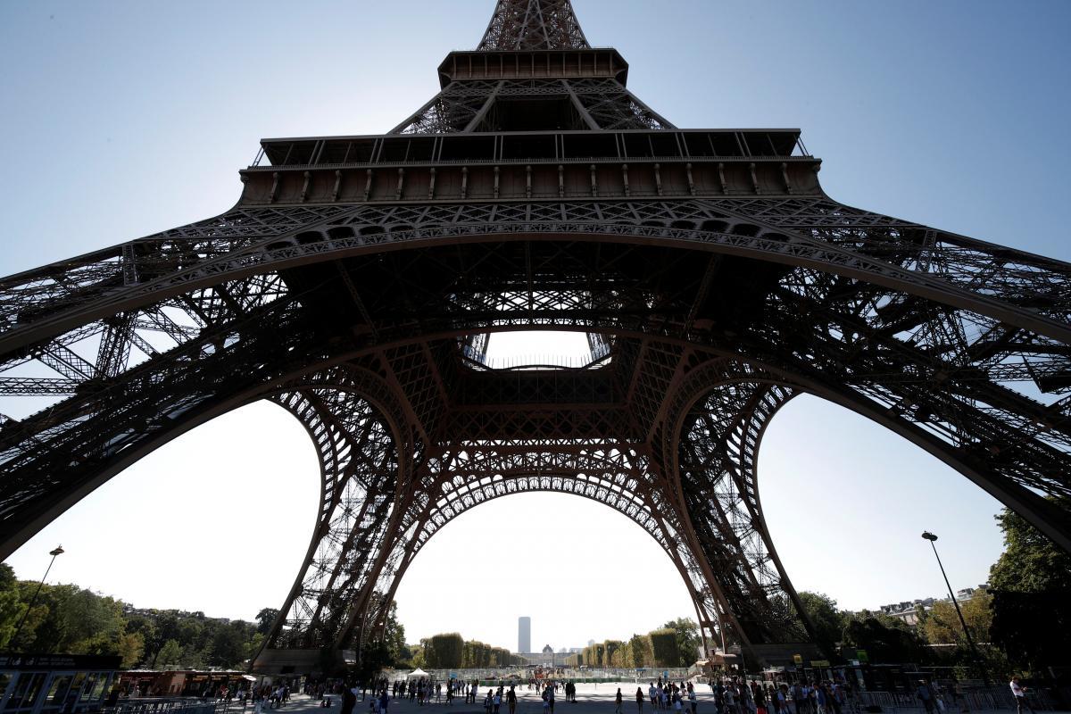 В 1889году в Париже состоялось торжественное открытие Эйфелевой башни / REUTERS