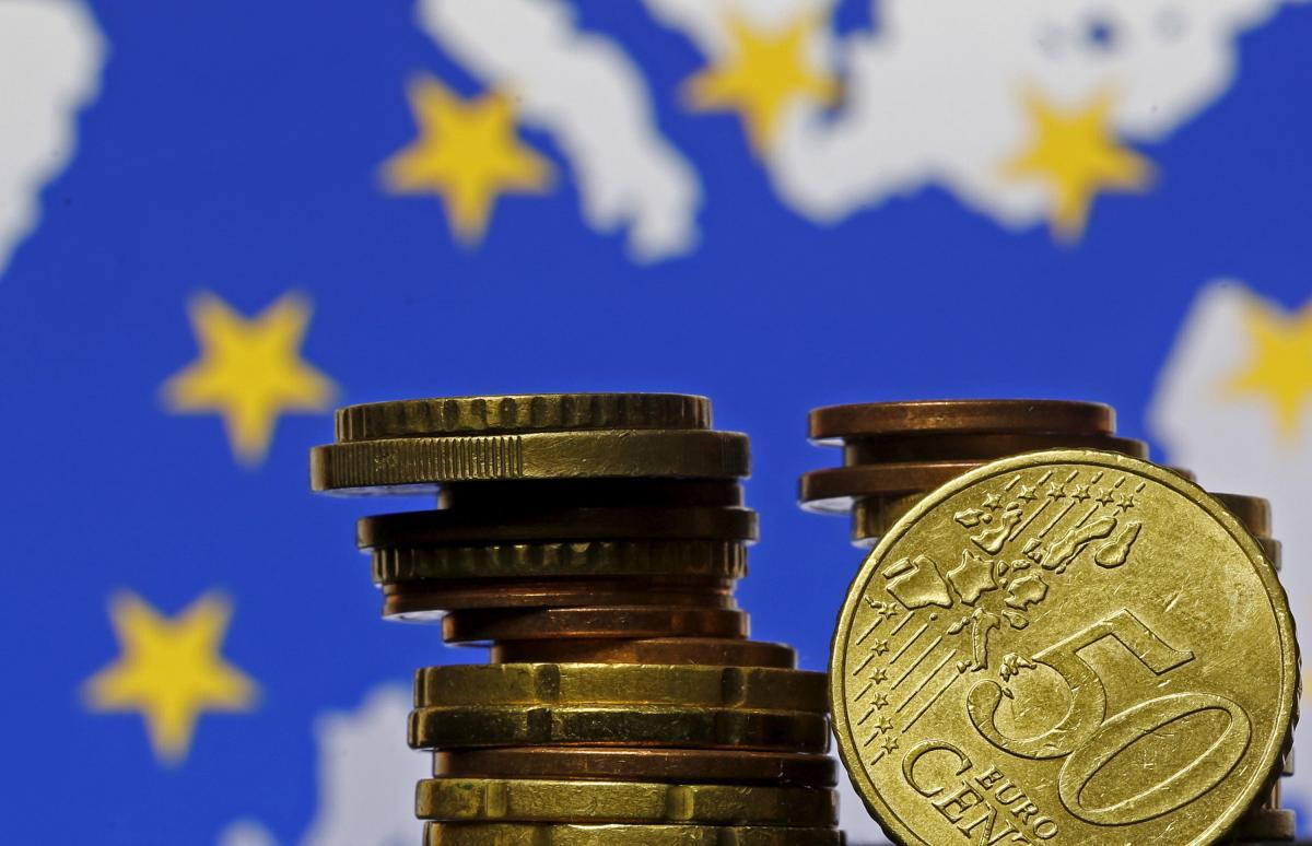 Соглашение по первому траншу миллиардной помощи ЕС Украине могут подписать в ближайшее время / Иллюстрация REUTERS