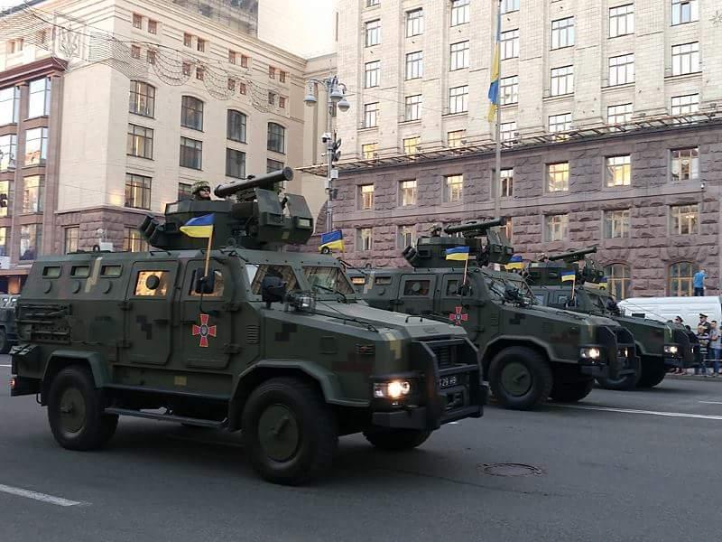 Javelin anti-tank missile launchers showed on parade in Kyiv, Ukraine / fakty.ua