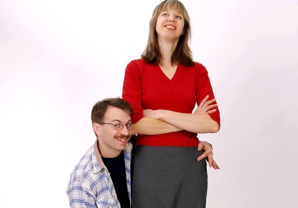 В семейной паре киевлян женщина выше мужа почти на 40 сантиметров / фото Facebook Лана Ветрова