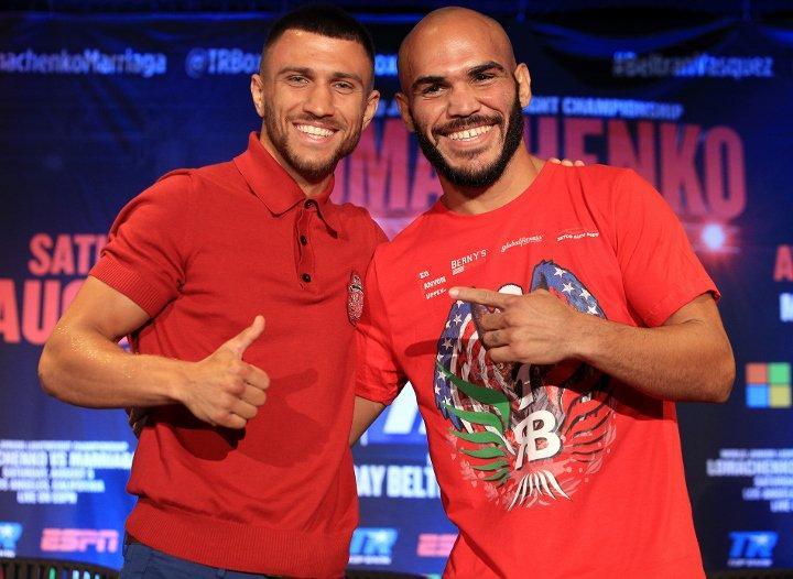 Ломаченко (ліворуч) перебуває в очікуванні нового суперника / boxingscene.com