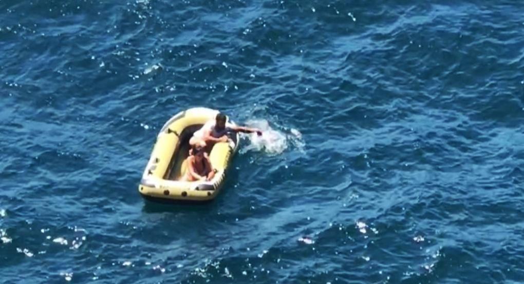 Пара з Новоросійська п'ять днів дрейфувала у відкритому морі без їжі і води, поки їх не врятував капітан Христос / ngnovoros.ru