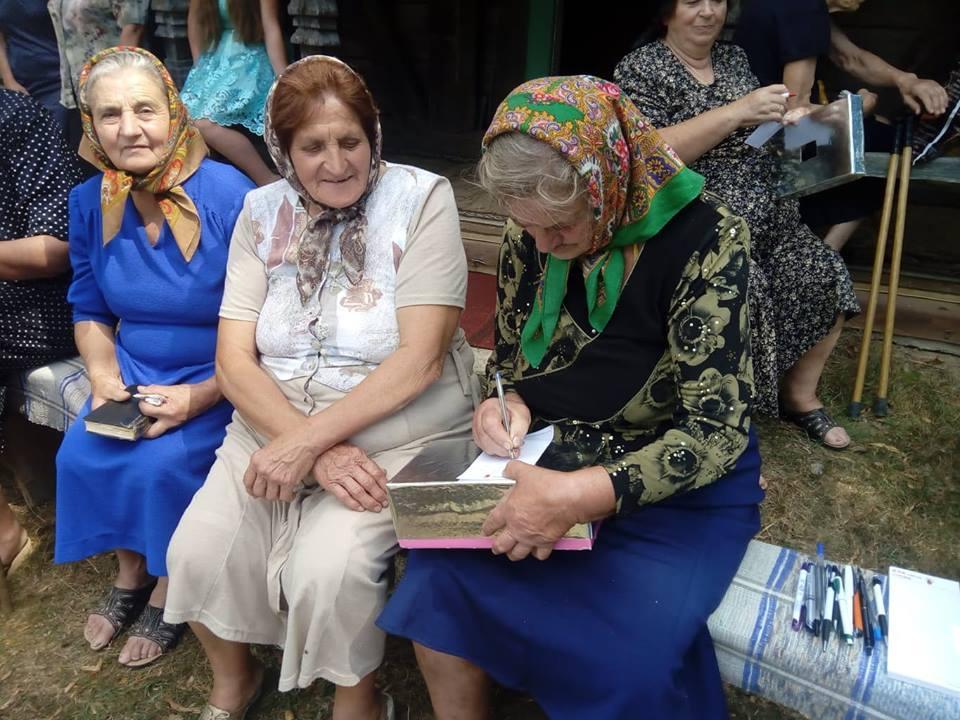 Встреча верующих на приходе храма Святого Архангела Михаила села Кучава / m-church.org.ua