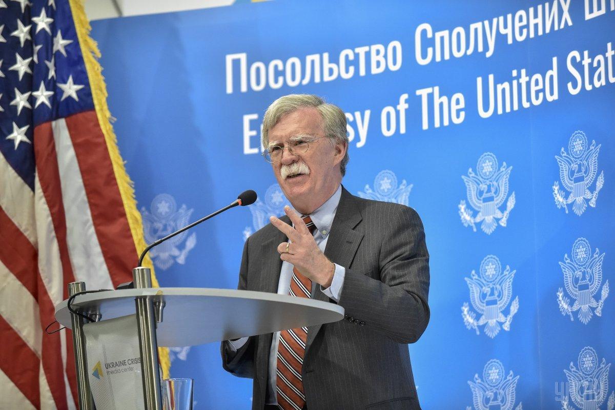 Болтон: санкции США против РФ будут действовать, пока она не изменит свою политику / фото УНИАН