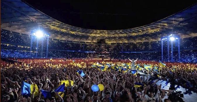 Святослав Вакарчук спел на бис гимн Украины / Фото: Океан Ельзи