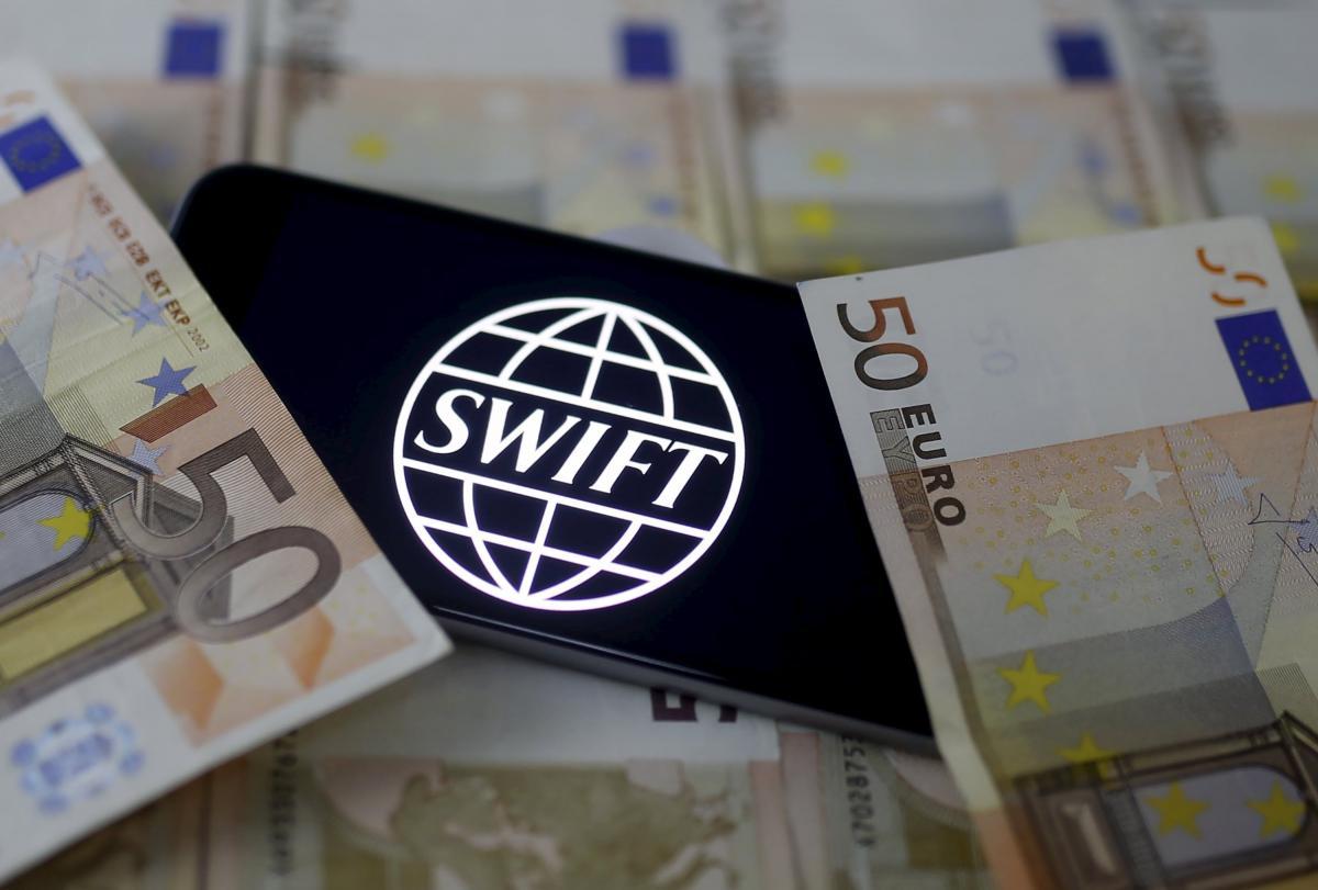 Россия может остаться без системы SWIFT / Иллюстрация REUTERS