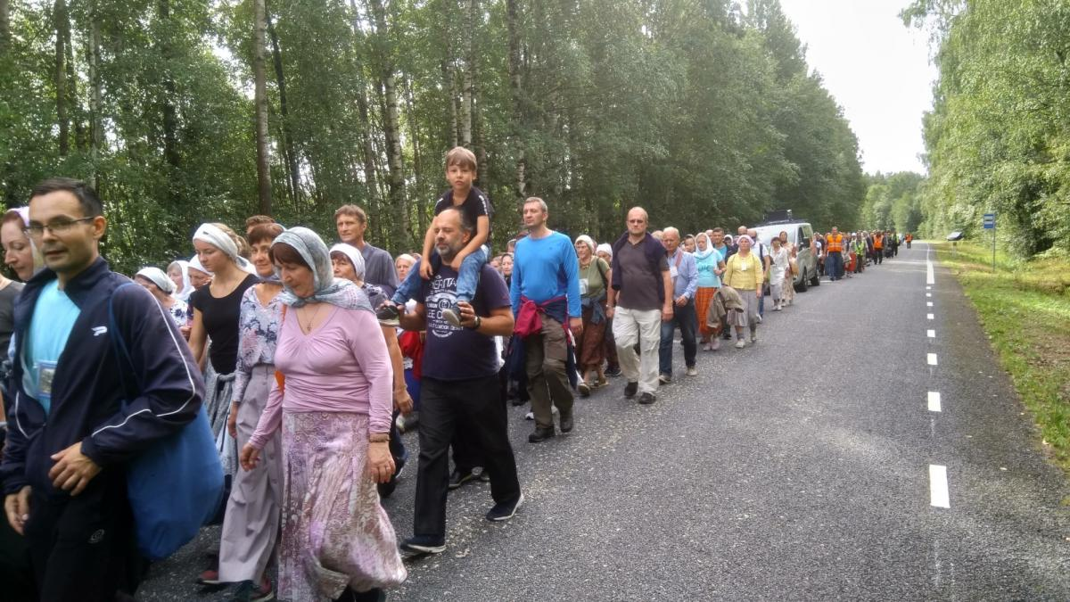 Православные Эстонии прошли 33 км крестным ходом с Пюхтицкой чудотворной иконой Божией Матери / orthodox.ee