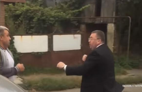 За словами чиновника, це його начебто підрізав таксист / скріншот відео ТСН