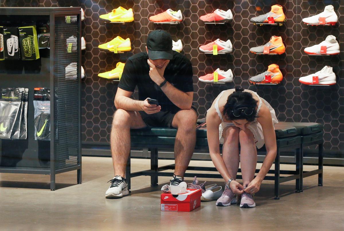Взуття / фото REUTERS