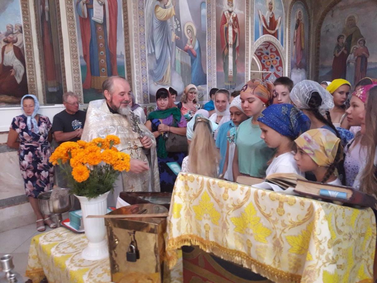 Во многих храмах молебны были совершены на праздник Успения Божьей Матери / news.church.ua