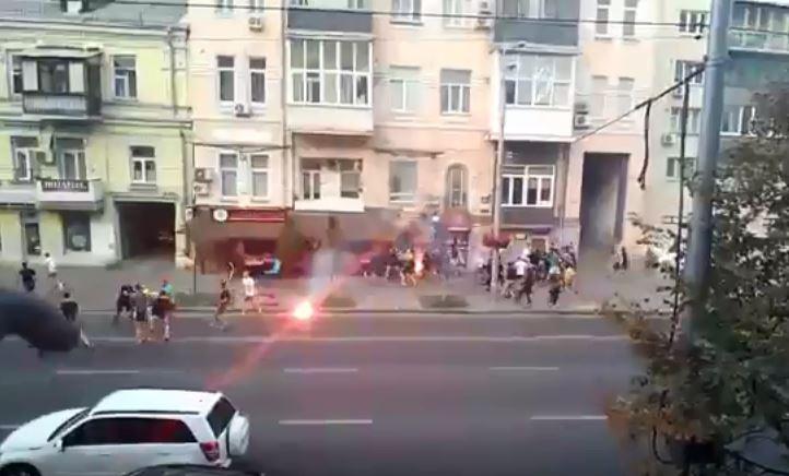 Бійка між футбольними фанатами у Печерському районі потрапила на відео / Скріншот - Youtube UltrasTV