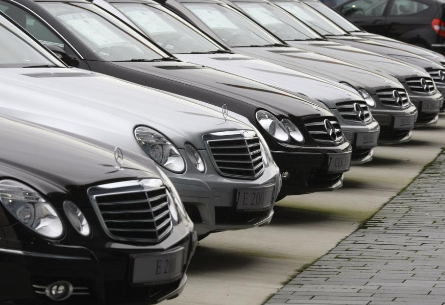 На Франківщині податківці нарахували більше сотні власників елітних автівок