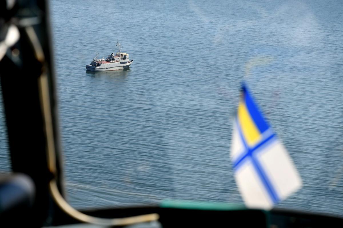 Корабль РФ протаранил украинский военный буксир / фото mil.gov.ua