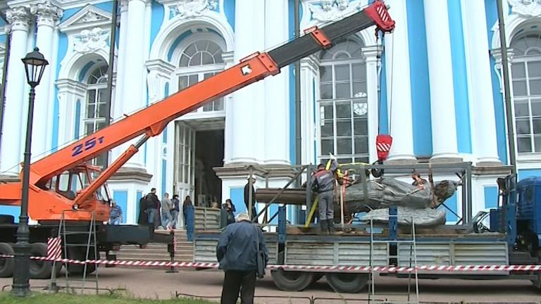 Скульптура простояла на куполе церкви Святой Екатерины более 200 лет / topspb.tv