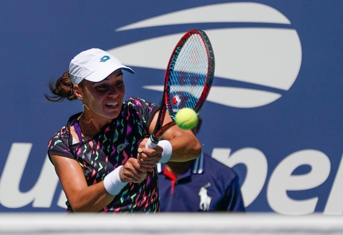 Ангелина Калинина уступила в напряженном матче третьей ракетке мира Слоан Стивенс / REUTERS