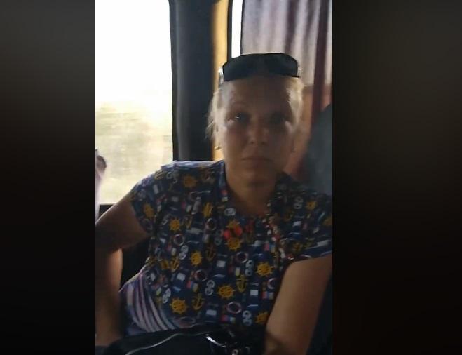 """Жінка на відео каже, що вона """"за мир"""" / Скріншот"""