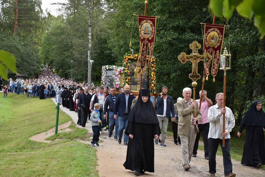 В Свято-Успенском Пюхтицкоммонастыре отметили престольный праздник / monasterium.ru