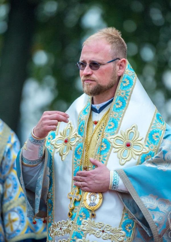 Архієпископ Георгій під час Літургії в Києво-Печерській Лаврі на свято Успіння / news.church.ua