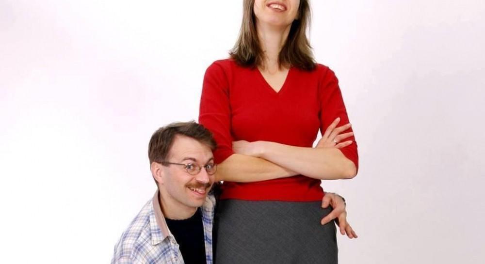 Жінка у цій парі вища за чоловіка на майже 40 сантиметрів. Про це  повідомила у Facebook керівник Національного реєстру рекордів України ... fe35439a65107