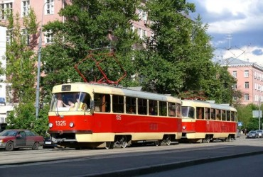 У Києві через нічну зливу заблоковано рух трамваїв маршруту № 18