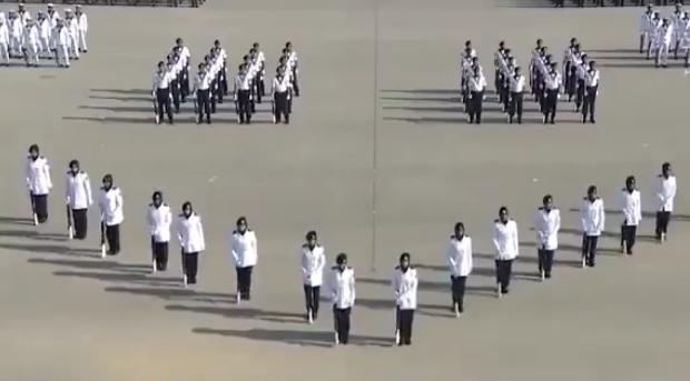 В Султанате Оман прошел парад полицейских в хиджабах / islamnews.ru
