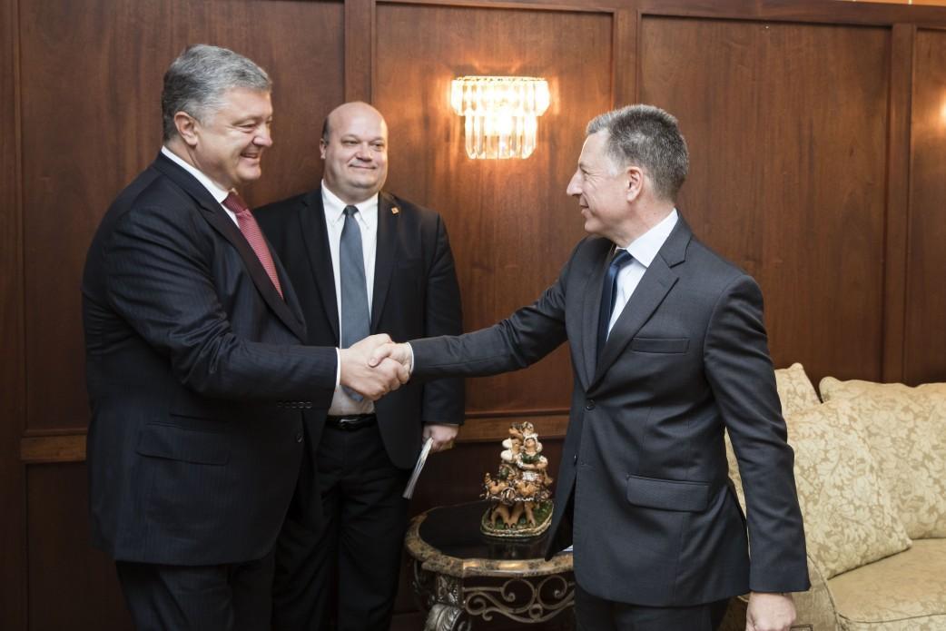 Петро Порошенко подякував США за продовження політики санкцій проти РФ / прес-служба АП