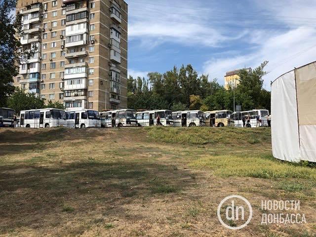 Багато хто обговорюємасовку на похороніЗахарченка/ фото Новости Донбасса