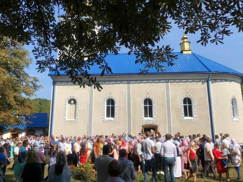 На Закарпатті освятили новий Свято-Покровський храм УПЦ / m-church.org.ua