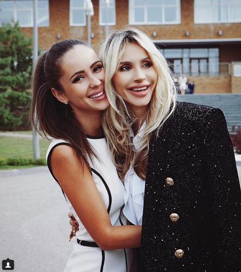 СветланаЛободастарше своейсестрына 8 лет / Instagram Светлана Лобода