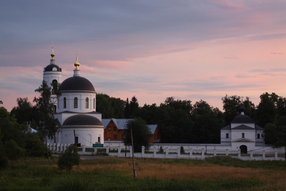 У Стефано-Махриському монастирі відзначили 665-річчя заснування та 25-річчя відродження обителі / stefmon.ru