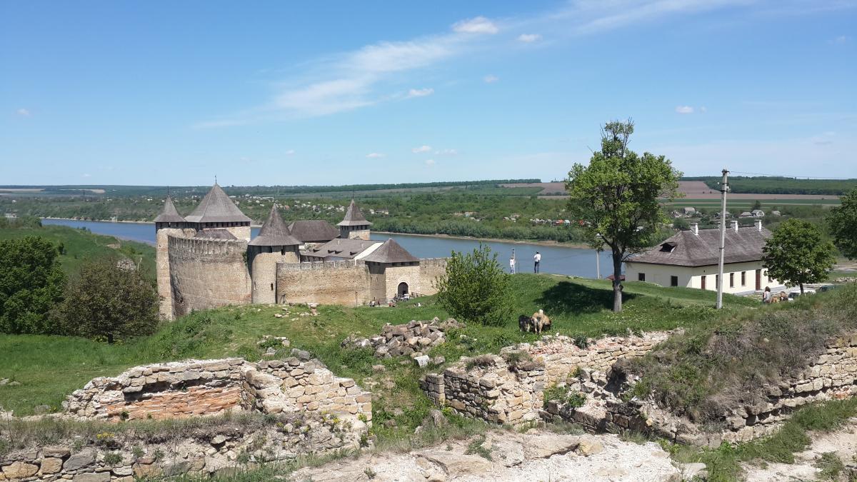 Хотинська фортеця розташувалася на березі Дністра / Фото Марина Григоренко