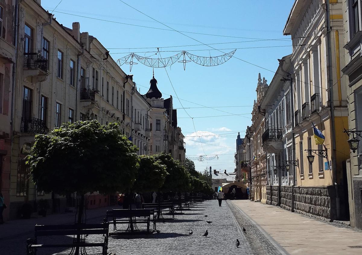 Пешеходная улица Ольги Кобылянской в Черновцах - сердце города / Фото Марина Григоренко