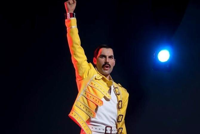 Солісту Queen виповнилося б 72 роки / фото freddiemercury.com