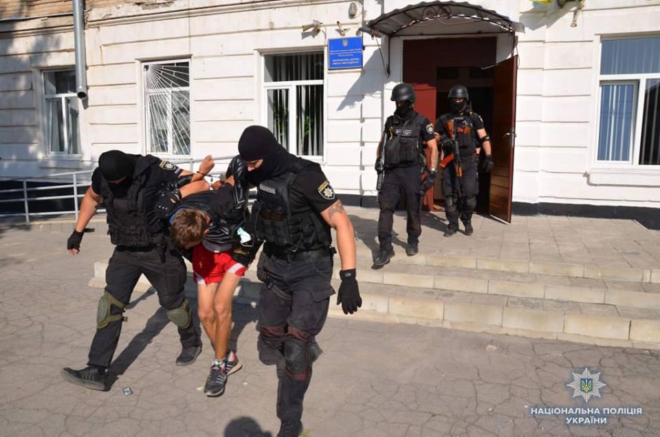 В Лисичанске мужчина угрожал взорвать школу искусств / Facebook - Татьяна Погукай