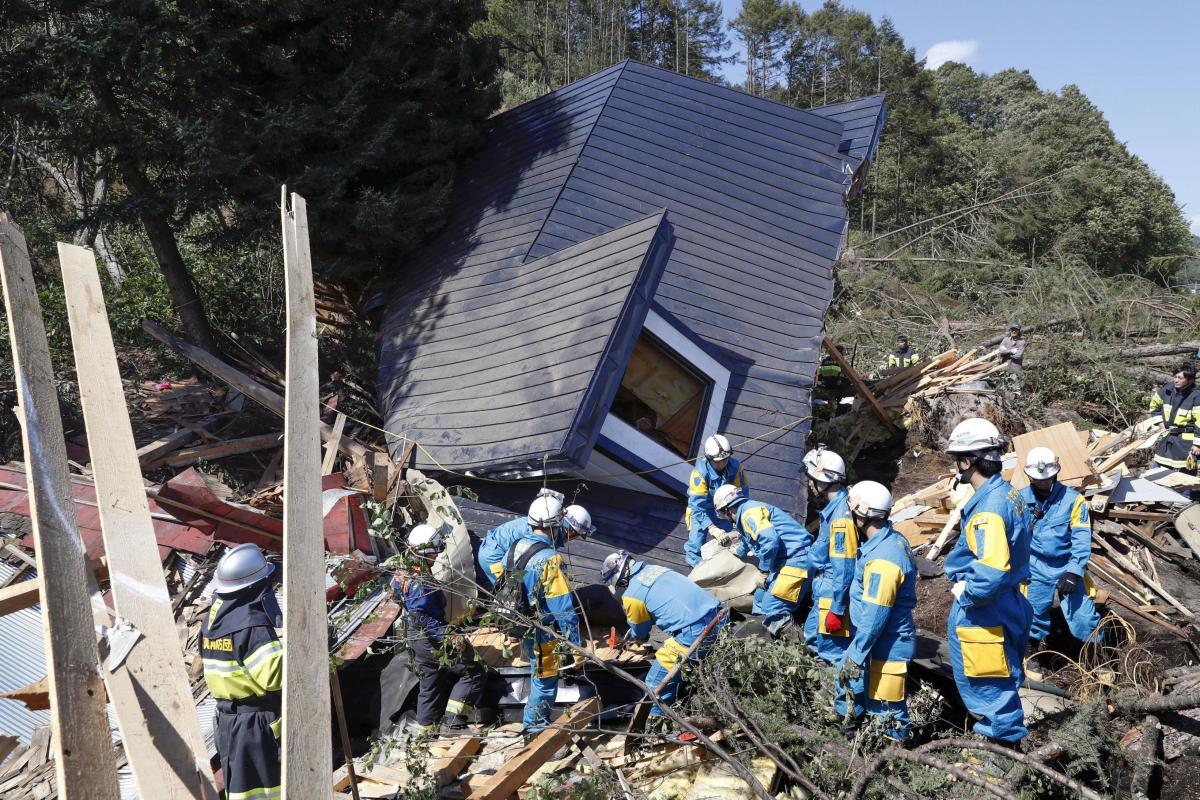 Японію потрясло землетрус / REUTERS