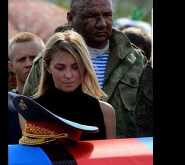 Поклонськувисміяли за фото на похороніЗахарченка/ фото facebook.com/aleksej.golobuckij