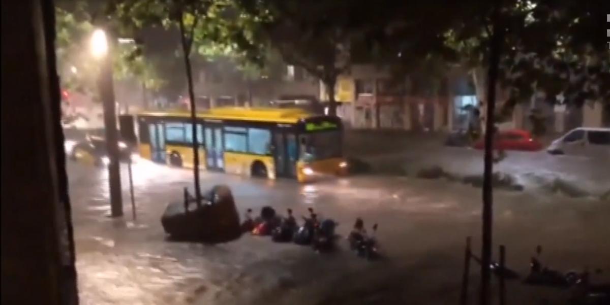 Последствия дождя в Барселоне / скриншот