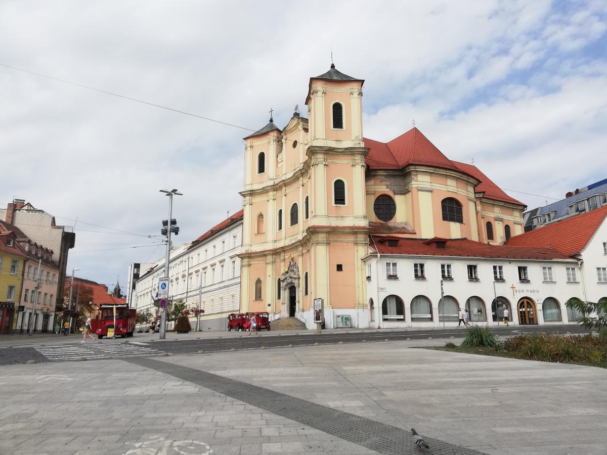 В Братиславе очень много соборов / Фото Марина Григоренко