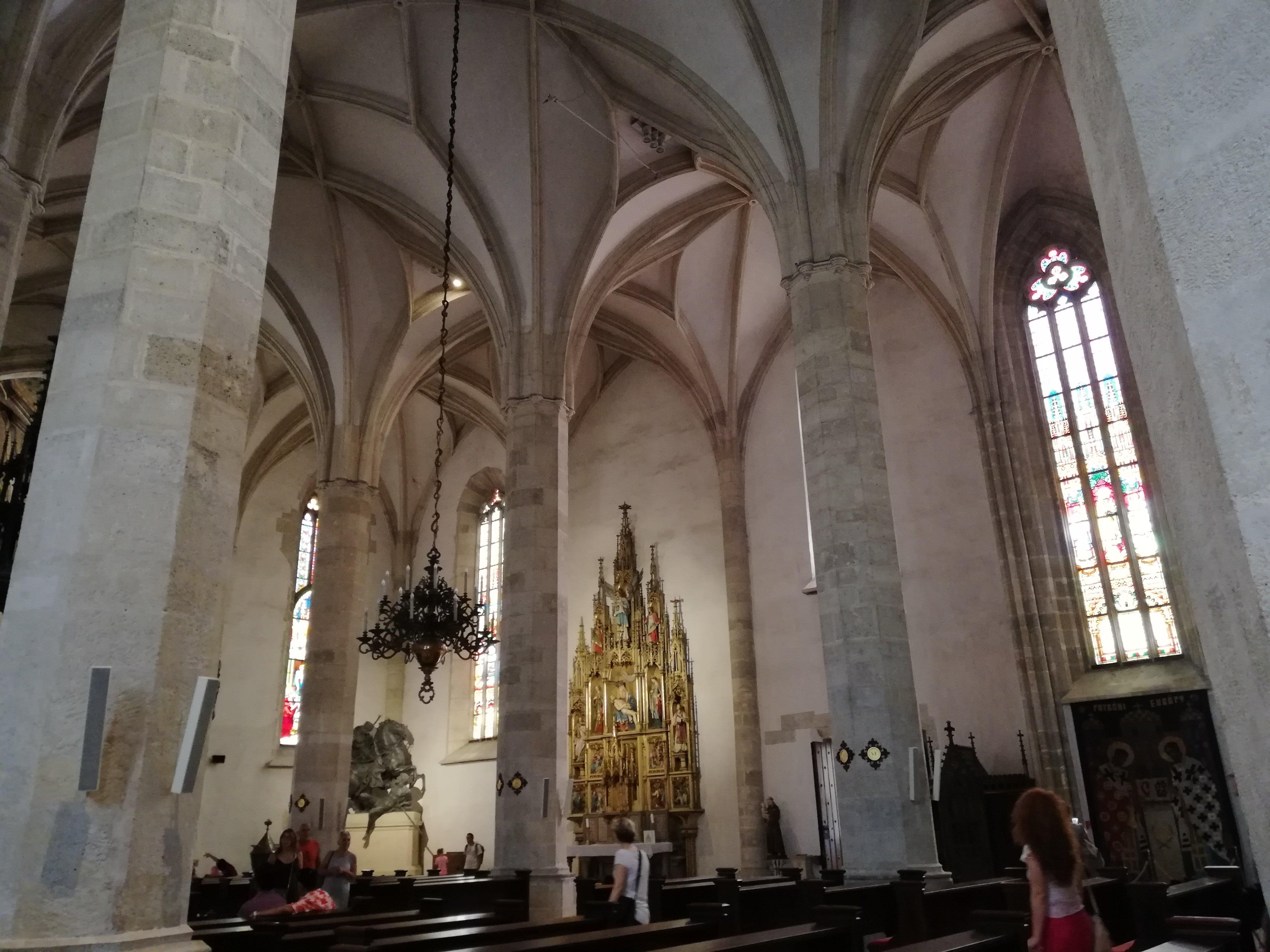 Внутри Собора святого Мартина / Фото Марина Григоренко